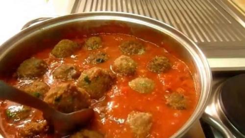 Фрикадельки с спагетти в сливочном соусе. Спагетти с фрикадельками — питательное и вкусное блюдо на каждый день