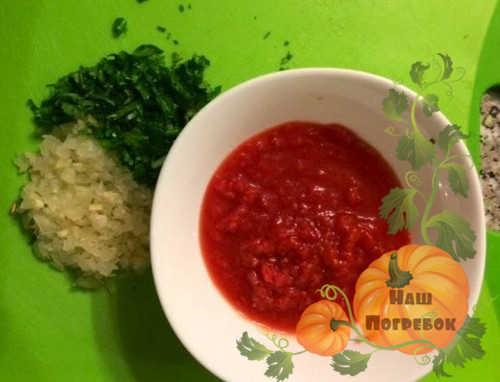 Салат из огурцов в томате на зиму обалденный рецепт. Огурцы в томате на зиму: обалденный рецепт