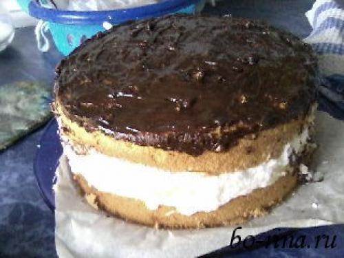 Торт с нежным творожным кремом и ананасами