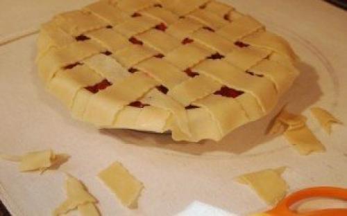Песочный пирог с вишней. Пирог с вишней из песочного теста