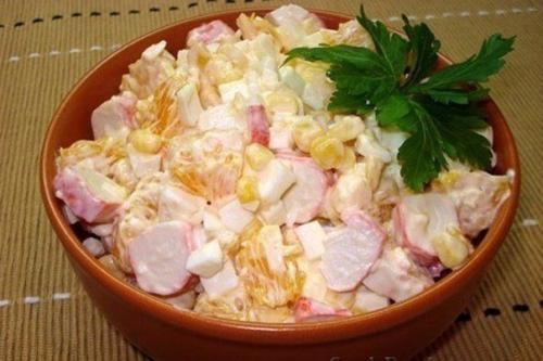 Топ 10 салатов с крабовыми палочками. Топ-5 салатов из крабовыми палочками