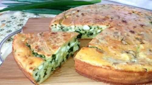 Заливной пирог на кефире с яйцом и зеленым луком и рисом. Изумительный пирог на кефире с яйцом и зеленым луком