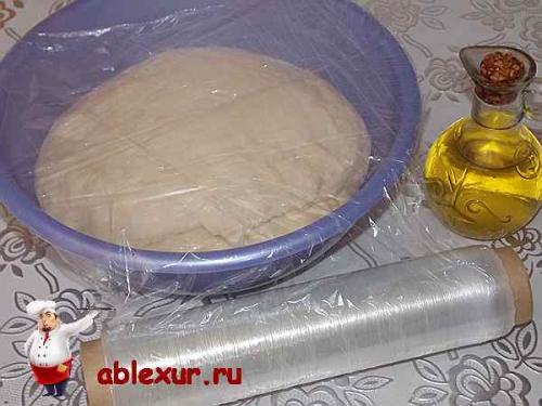 Пирог с зелёным луком и яйцом в духовке. Пирог с зеленым луком и яйцом: рецепт с фотографиями