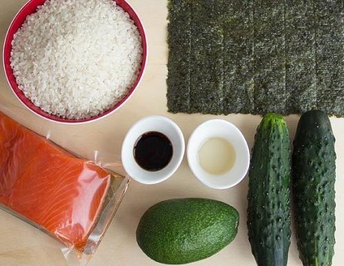 Салаты на праздничный стол 2019. Новогодний салат-суши 2019 (простой рецепт)