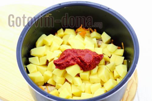 Картошка в мультиварке с мясом. Картошка с мясом в мультиварке по-домашнему.