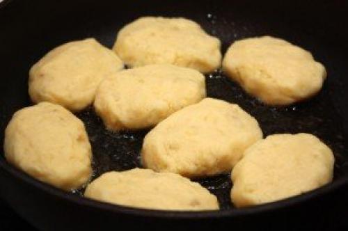 Котлеты картофельные из пюре. Картофельные котлеты из пюре
