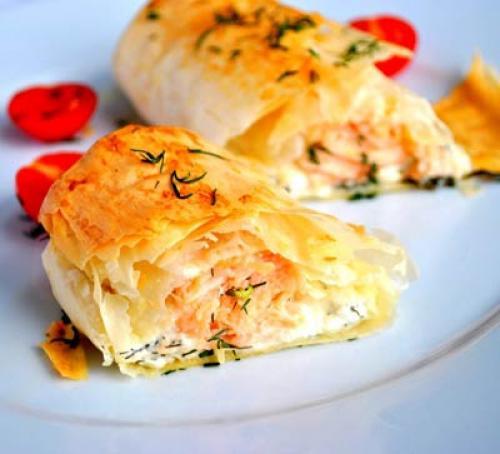 Форель в тесте фило с творожным сыром
