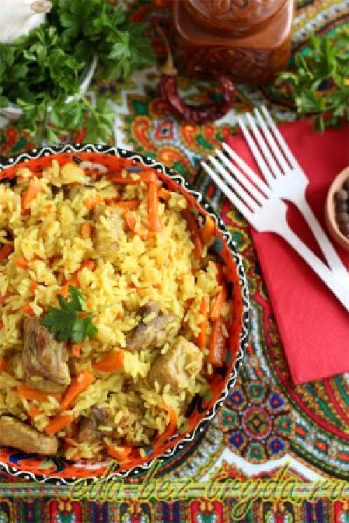 Узбекский плов на сковороде.