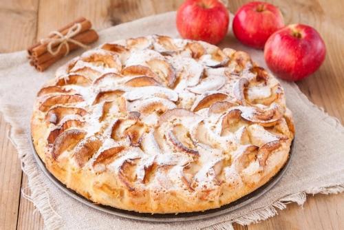 Бисквит на белках с яблоками. Бисквит: рецепт с яблоками