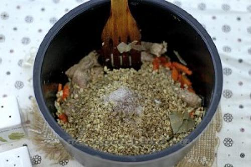 Перловка с мясом в скороварке. Перловая каша в мультиварке-скороварке
