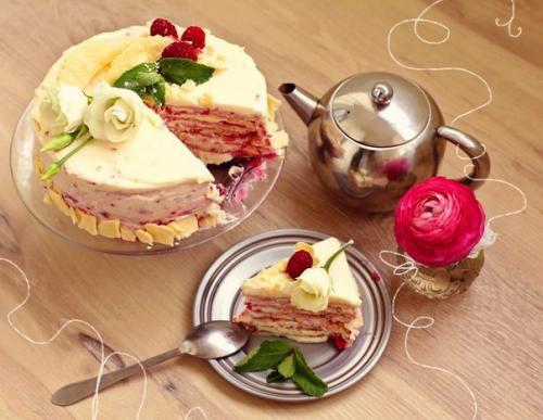 Наполеон с Малиной. Торт Наполеон с малиной.