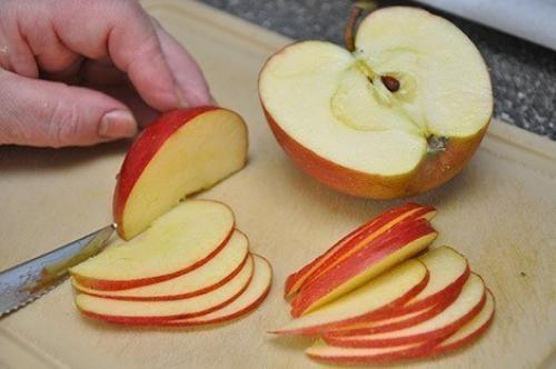 Дольки яблок в тесте рецепт