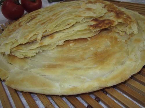 Лепешки узбекские. Узбекская слоеная лепешка.