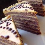 Шоколадный торт со сливочным кремом со сгущёнкой.
