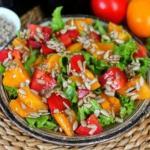 Салат с помидорами и горчицей.