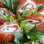 Закусочные рулеты из красной рыбы (6 рецептов: