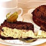 Шоколадно - творожный пирог.
