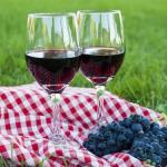 Как самому приготовить вино из винограда.
