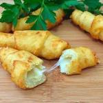 Картофельные рогалики с сыром.