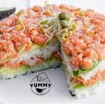 Рецепт идеально подходит для тех, кто не хочет мучиться с раскатыванием и разрезанием суши.