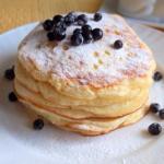 Оладьи на йогурте за 30 минут: идеальный завтрак.