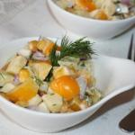 Салат с яблоком и болгарским перцем.