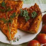 Пицца с ветчиной по-итальянски.