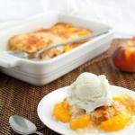 Персиковый коблер.  Коблер - это фруктовый пирог очень простой в приготовлении и сказочно вкусный.