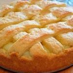 Яблочный пирог с заварным кремом.