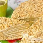 """Торт """"Пломбир"""".  Торт, рецепт с фото которого мы рассмотрим, напоминает по вкусу мороженное """"Пломбир"""" в вафельном стаканчике."""