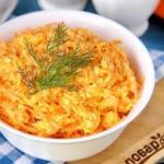 """Салат """"Рыжик"""" с морковью и сыром."""