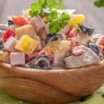 Отличные праздничные салаты с ветчиной: топ - 9 рецептов?