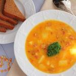 Гороховый суп с копченостями.