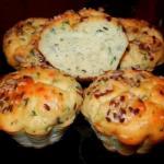 Кексы из плавленных сырков с зеленью.