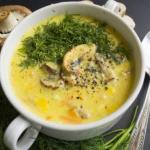 Сливочно - грибной супчик очень вкусный, сытный c плавленным сырком.