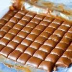 Медовые ириски.  В случае если вы по тем или иным причинам не можете использовать мед - замените его аналогичным количеством сахара.