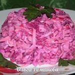 """Салат """"Розовый Фламинго""""со свёклой и крабовыми палочками."""