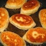 Пирожки на сметанном тесте к ужину.