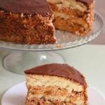 """Торт """"Сникерс""""?   Этот торт пеку уже второй раз и однозначно буду печь еще."""