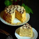 Торт эстерхази.  Этот красивый классический венгерский торт понравился мне очень.