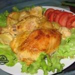 Вкусная курочка в маринаде вместе с картошкой.