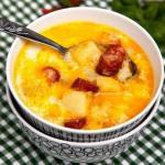 Суп с копченными колбасками.
