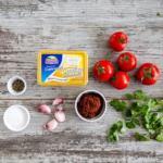 Бакинские помидоры, фаршированные острым сыром.