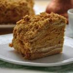 """Медовик """"Шифоновый"""".  Я опробовала немало рецептов медовых тортов, но этот - идеальный для меня как по вкусу, так и по времени приготовления."""
