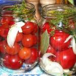 Сахарные помидорки.  Получается примерно 6 банок по 800 гр:
