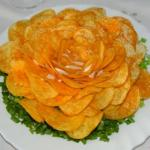 """Салат """"Розочка"""". Такой салат украшением праздничного стола будет."""