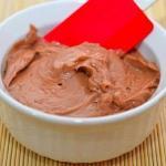 Шоколадно - масляный крем для тортов.