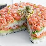 Суши - торт из авокадо, огурца и лосося?