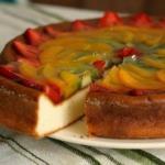 Творожное суфле с фруктами.