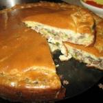 Супер нежный пирог с капустой и мясом.